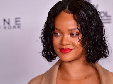 Combien vaut Rihanna?