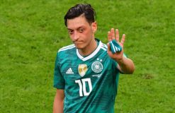 Mesut Özil prend sa retraite internationale