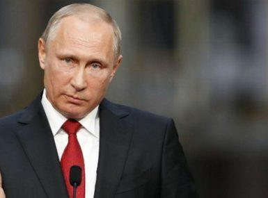 Vladimir Poutine déclare la guerre au rap