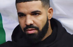 Drake caresse et embrasse une jeune fille de 17 ans en plein concert !