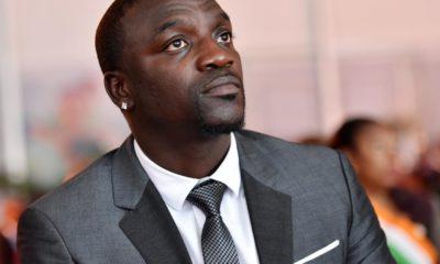Akon remporte le prix de l'Innovateur de l'année à l'événement TechConNext