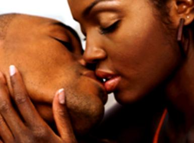 Un pasteur guérirait les femmes en les embrassant passionnément