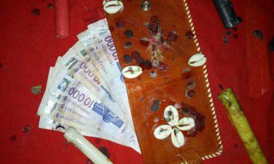 L'acquisition d'un portefeuille magique tente plus d'un jeune en Afrique. Cette pratique qui consiste à réciter des incantations en vue d'obtenir un portefeuille qui produit régulièrement de l'argent est malheureusement très prisé par la jeunesse africaine plus précisément le genre masculin.