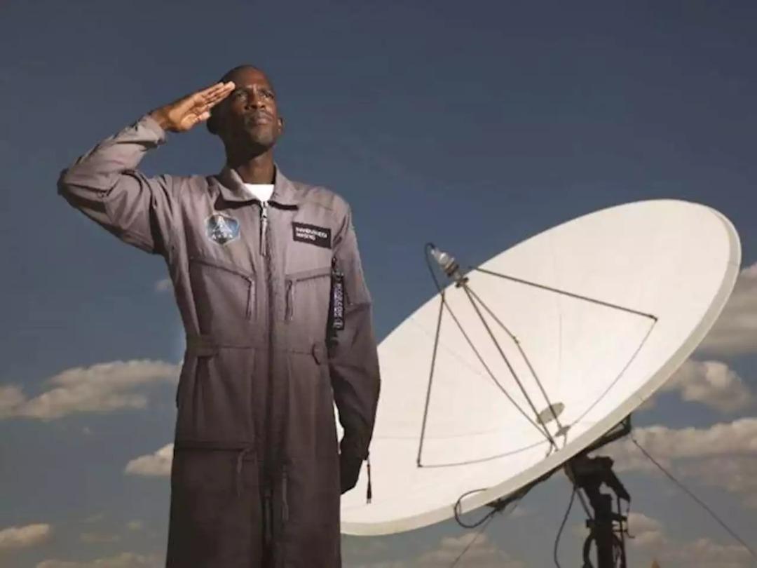 L'homme qui devait devenir le premier Noir africain dans l'espace meurt dans un accident de moto