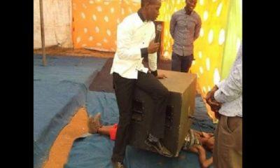pasteur tue une fidèle