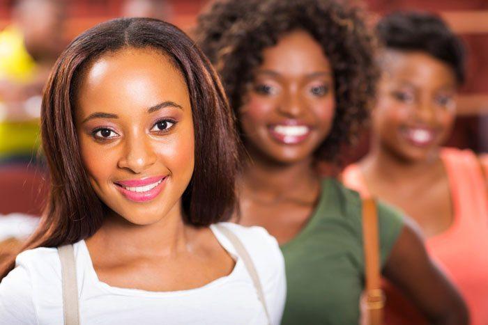 lycées où on trouve les plus belles filles de Lomé