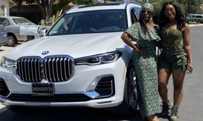 Cette jeune fille offre une BMW de 37 millions F CFA à sa maman, sa réaction est émouvante (vidéo)