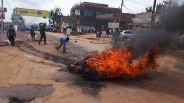 Ouganda : bastonnade des manifestants qui réclamaient la libération de Bob Wine