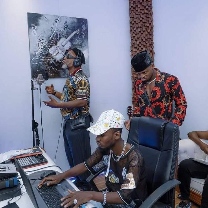 Koffi Olomide ft Diamond : découvrez la tête que fait Diamond lors de l'enregistrement