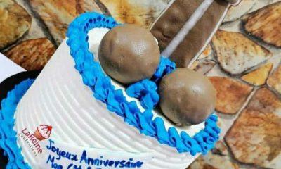 gâteau d'anniversaire en forme de Pénis