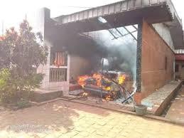 Incendie dans la maison du Directeur