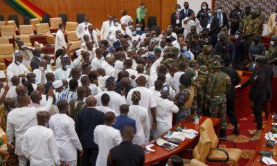 Violence au Parlement du Ghana