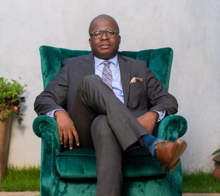 Togo : à la découverte d'Eli ATSU, l'homme derrière la chaîne de restaurants WINGS'N SHAKE
