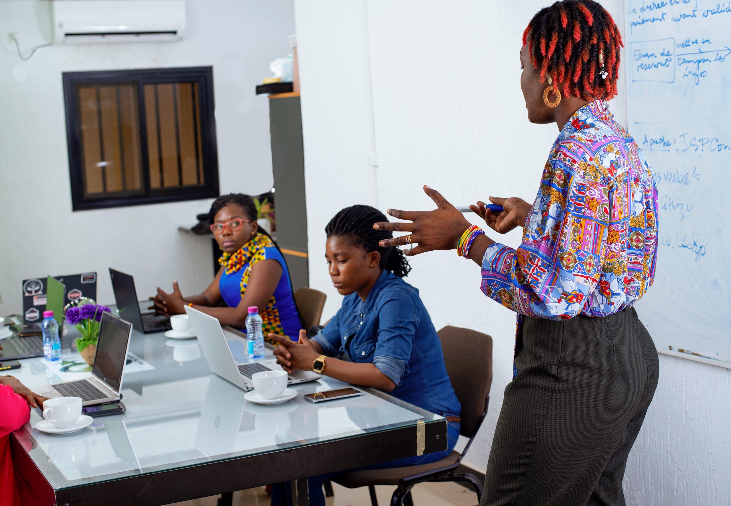 Innocente GBEKEVEVI : la jeune togolaise qui assure pour votre entreprise une protection optimale des données