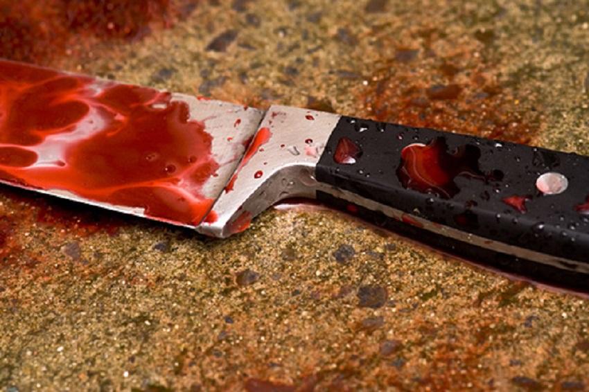 Homme poignarde son frère