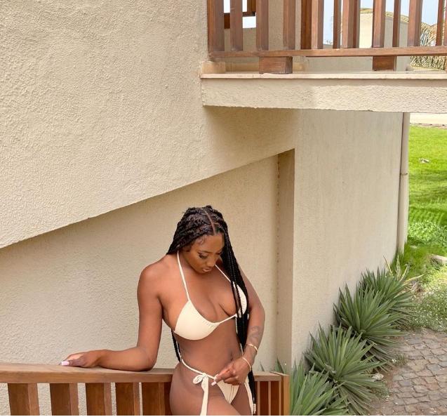 Aya Nakamura fait saliver les internautes en s'affichant très s€xy en bikini