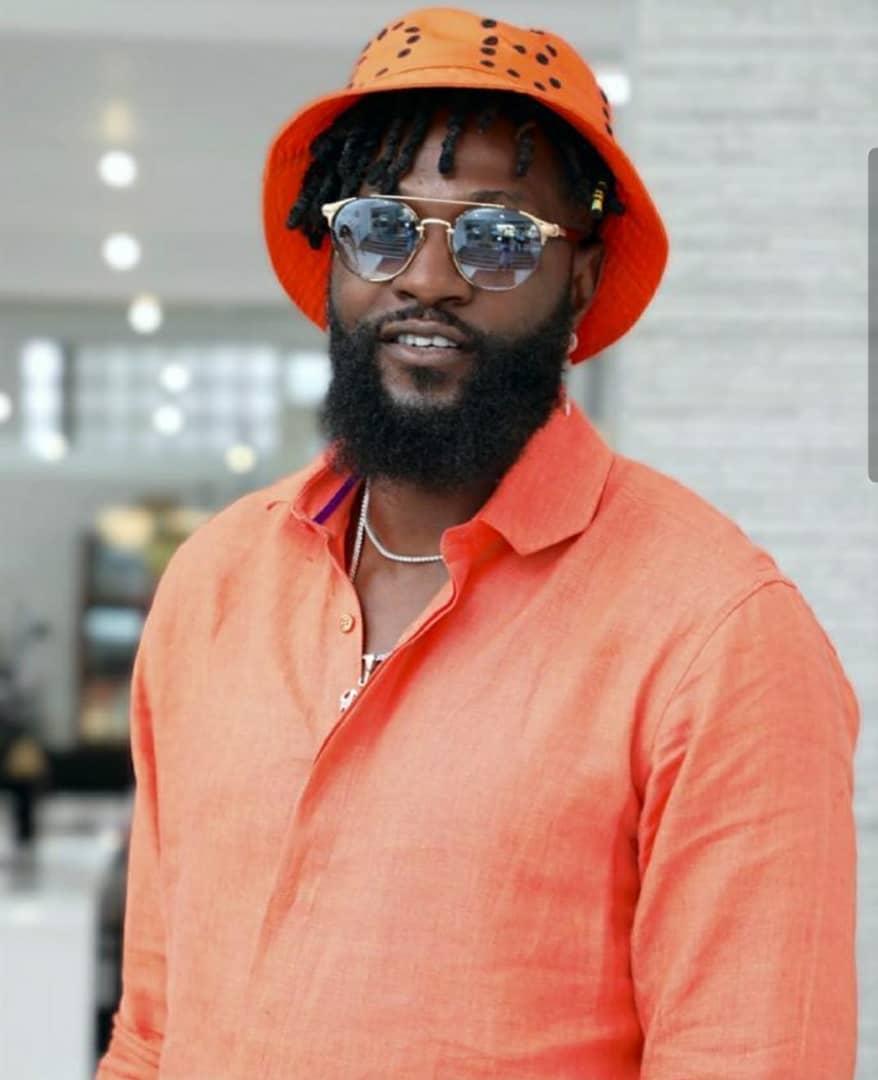 Emmanuel Adebayor cité dans une affaire d'escroquerie de 3 millions