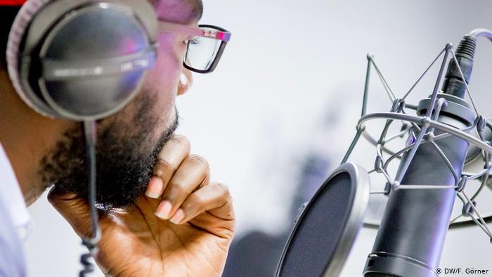 Top 5 des radios les plus écoutées musicalement au Togo